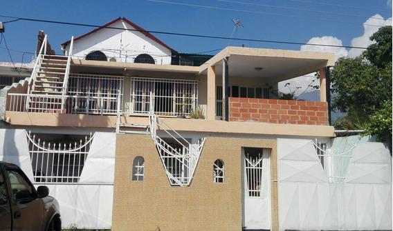 Venta Casa Urb. Las Brisas Mariara Cod. 19-19782