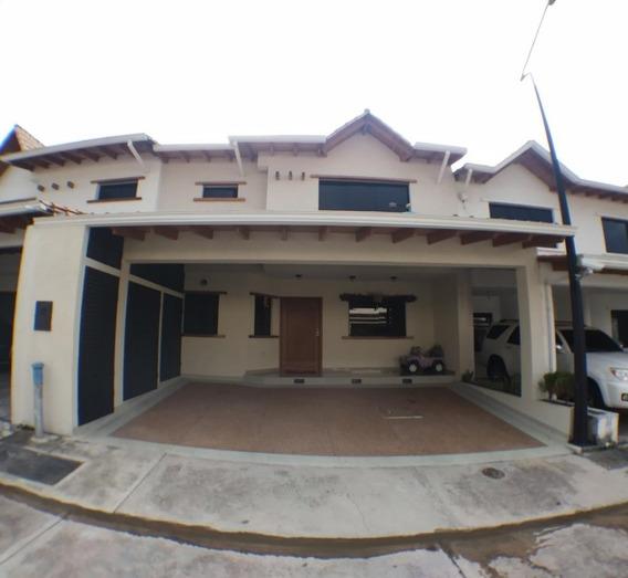 En Venta Casa En Villa Eugenia