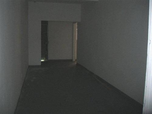 Sala Comercial Bem Localizada Com 2 Banheiros E 1 Lavabo No Centro Em Sao Vicente - Hm1665