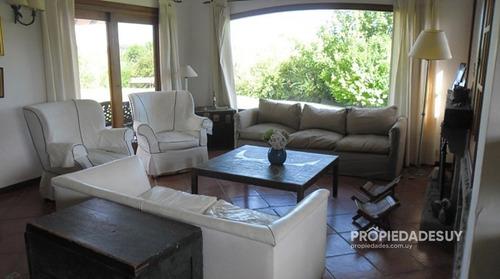 Casa En Venta En Laguna Del Diario!- Ref: 753