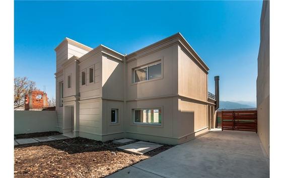 Casa A Estrenar - Grand Bourg - 405 M2