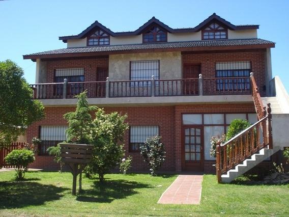 Casa Rodomar, 2 Deptos Y 2 Dúplex(4,5,6 Psonas) Villa Gesell