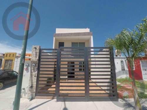 Casa - Fraccionamiento Paseos De Las Torres