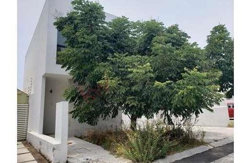 Divina Casa Nueva En Venta Dentro De Fraccionamiento Cerrado Con Vigilancia En La Zona De Punta Juriquilla