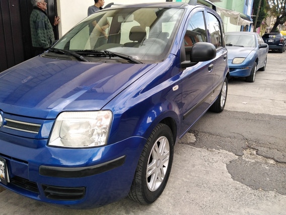 Exelente Fiat Panda 2011