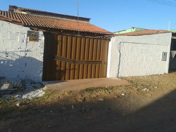 Casa De 2 Quartos, Duas Suítes, 1 Banheiro, 1 Garagem