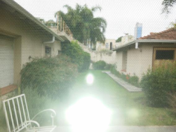 Excepcional Casa Residencial En Lomas De Zamora - 501 M2