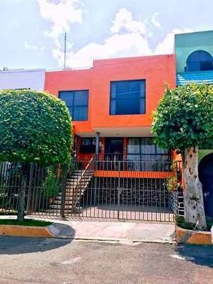 Casa Con Excelente Distribución Y Orientación En Colinas Del