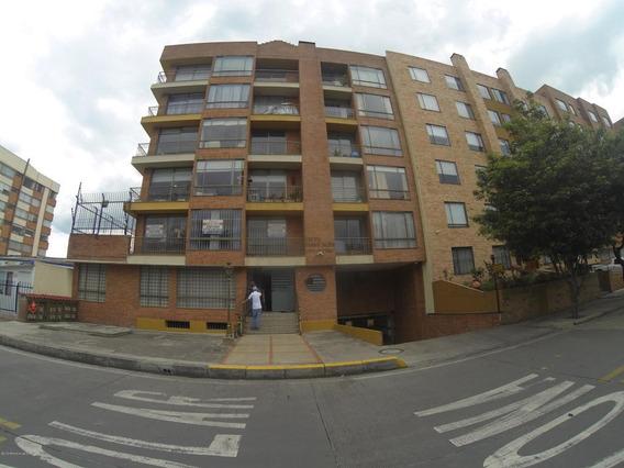 Apartamento En Venta Mazuren(bogota) Rah Co:20-559