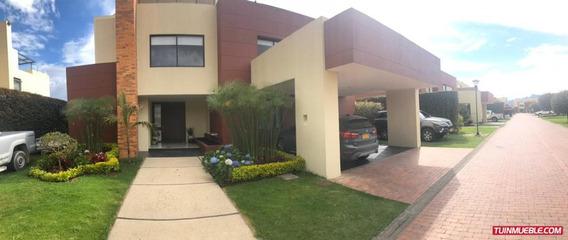 Casa Cajica Conjunto Elcanelón 380m*2 Más 100m*2 De Terrazas