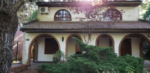 Imagen 1 de 14 de Casa Planta Baja Y Primer Piso 4 Ambientes 2 Dormit 2 Baños