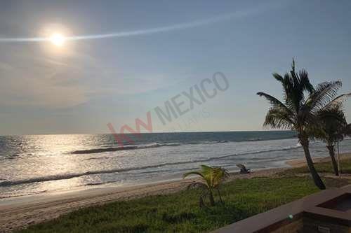 Imagen 1 de 16 de Único Terreno Habitacional A Pie De Playa En Mazatlán