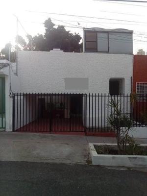 Casa En Venta En Las Águilas Zapopan $ 2´500,000.00