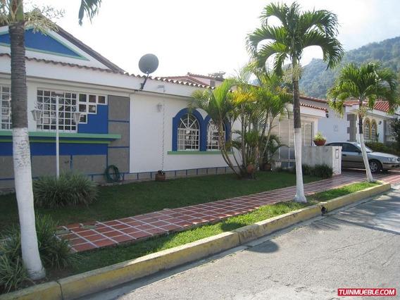 Casas En Venta. Urb. Villas Veronica.
