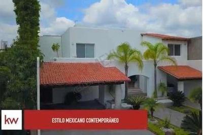 Casa Con Vista Y Acceso Al Lago Y Campo De Golf Juriquilla ¡oportunidad!
