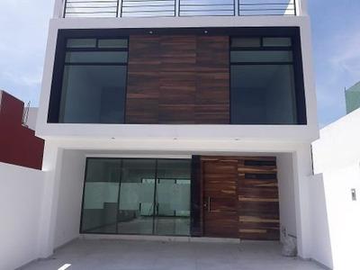 Se Vende Casa En Fraccionamiento Lomas Del Valle