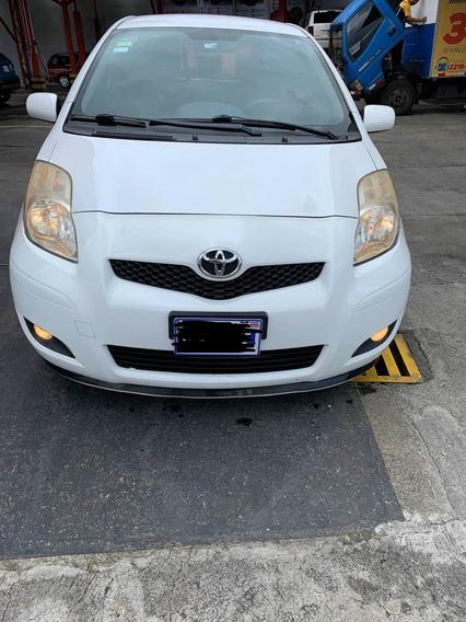 Toyota Yaris Yaris Hatchback 2011