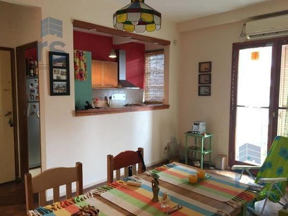 Pintoresco Departamento De2 Dormitorios Con Comodìn ,a Pasos Del Rio Y Oroño