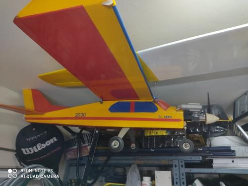 Avión Aeromodelismo Con Motor