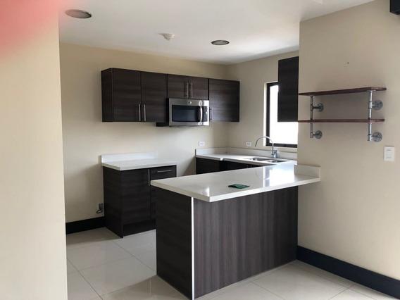 Bello Apartamento En Venta En Brasil De Mora