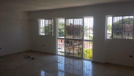 For Rent Penthouse De 3 Habitaciones En Los Cacicazgos