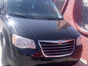 Chrysler Town & Country 3.8 Limited At 2010