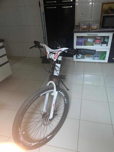 Imagem 1 de 4 de Bicicleta