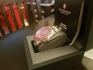 Vendo Reloj Original Victorinox,origen Suiza,zafiro, Acero.