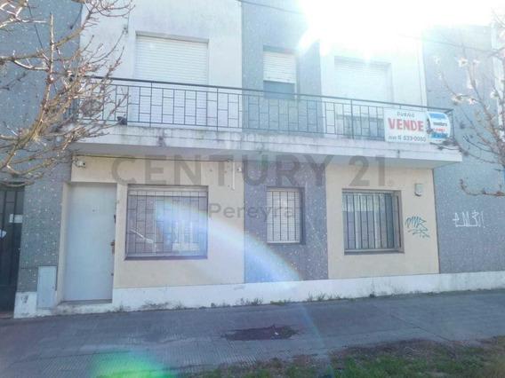 Diagonal 75 Entre 14 Y 15. Departamento (ph)1 Dormitorio Al Frente En Alquiler.