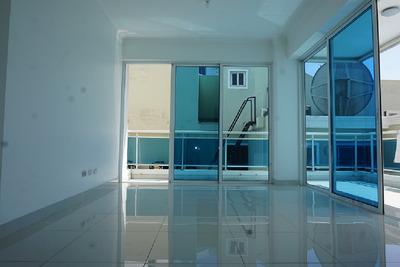 Elegante, Iluminado, Cálido Y Moderno Apartamento En Renacimiento