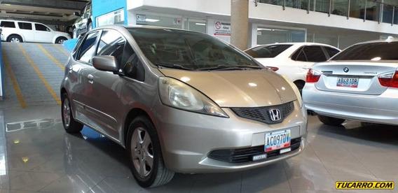 Honda Fit .