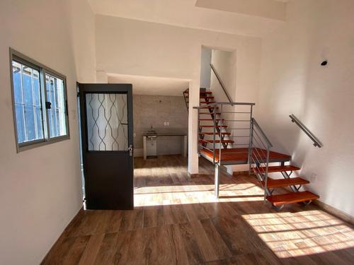 Imagen 1 de 14 de Se Alquila Casa De Dos Dormitorios Y Patio En Brazo Oriental