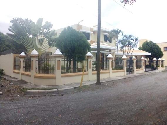 Casa En Alquiler Residencial María Del Carmen, Bani.
