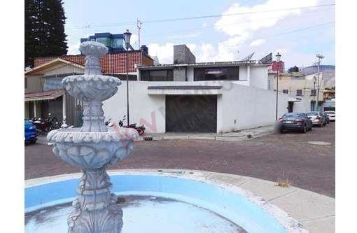 Venta De Centrica Casa Forrada De Madera De Caoba En Los Interiores, Pachuca, Hgo. $7,480,000.°°