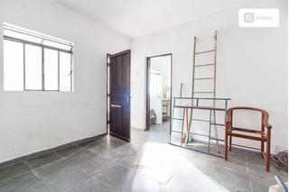 Casa De Fundos Com 40m² E 1 Quarto - 3735