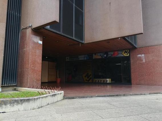 Oficina Con Excelente Ubicacion,los Dos Caminos 125mts2....