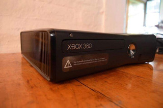 Xbox 360 De 250gb Y 2 Controles