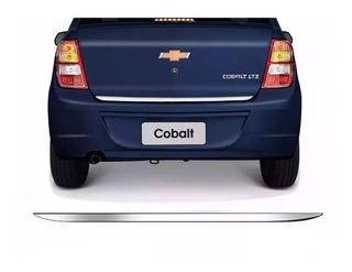 Friso Traseira Porta Malas Cromado Resinado Cobalt 12/15
