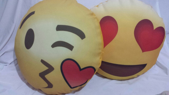 Kit 2 Almofadas Emojis Apaixonado Promoção
