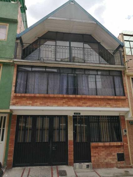 Casa De 3 Niveles, Con Opción De Ampliar, 10 Años De Antigüe
