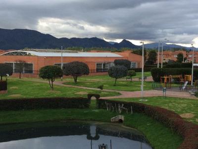 Arrayanes-vendo Casa Campestre Bogota