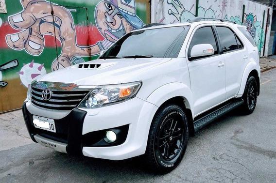 Toyota Hilux Sw4 7 Lugares 3.0 Turbo Diesel 4x4 Top De Linh