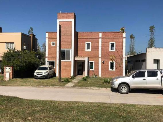 Casa Barrio Privado Altos Del Rosario 3 Dormitorios 2 Baños