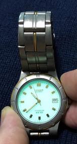 Relogio Citizen Titanium & Ouro Wr100 Cronography