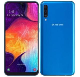 Celular Samsung A50 Libre + Combo Protección