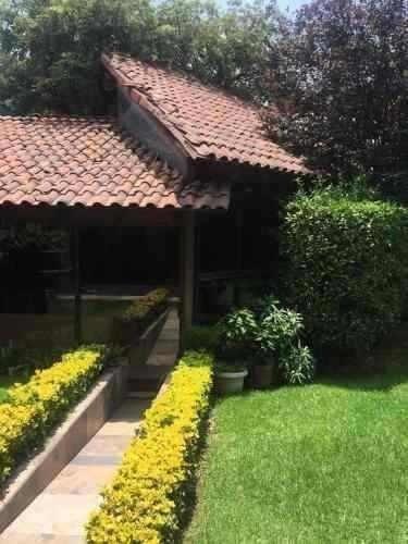 Casa En Venta En La Colonia Jardines En La Montaña