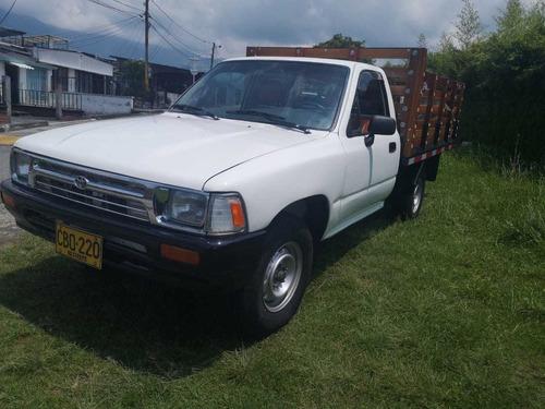 Toyota Hilux 1994 2.4l 117 Hp 4x2