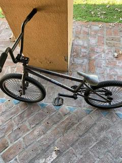 Bicicleta Bmx raleigh Jump X3.buen Estado. Con odi Grips.