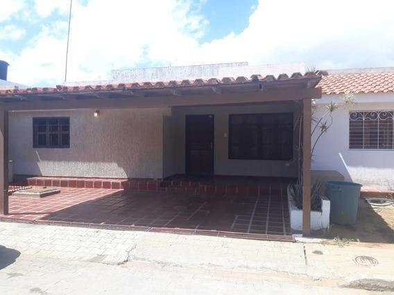 Casa En Alquiler En La Picola