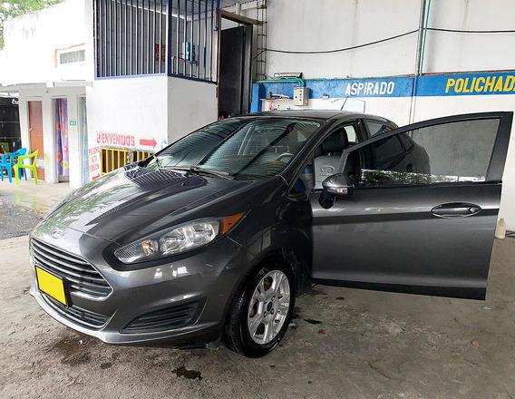 Ford Fiesta Se 2016 Gris Metálico